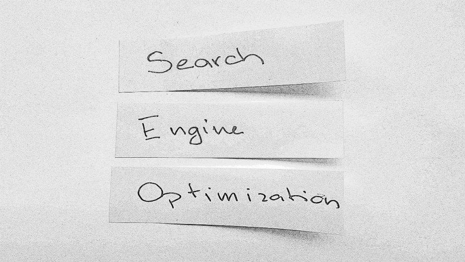 "Three post-it notes spelling ""search engine optimization"""